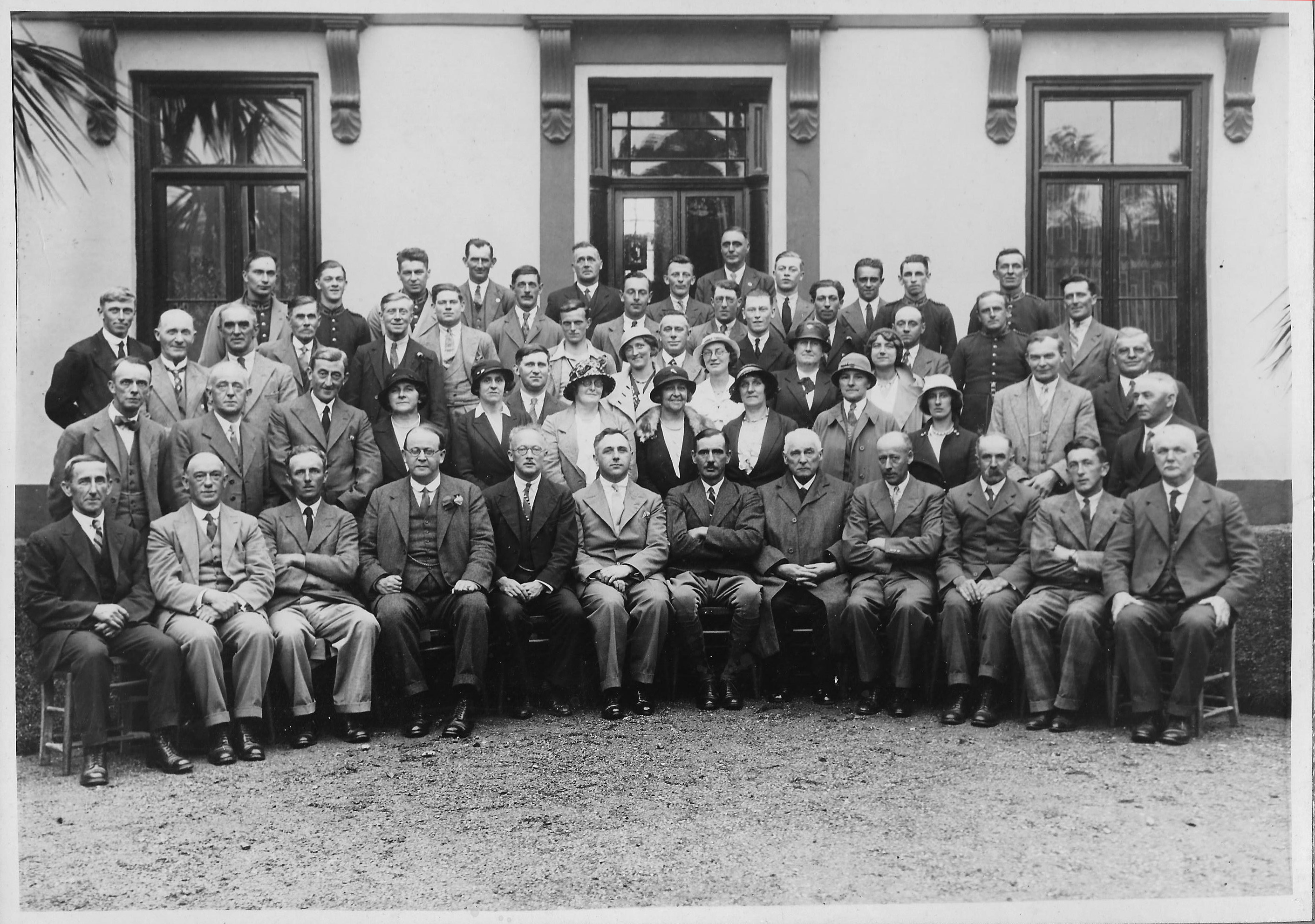 1934 - Centenary photo of Show Officials